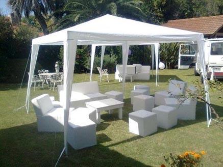 Carpas y muebles de jardín